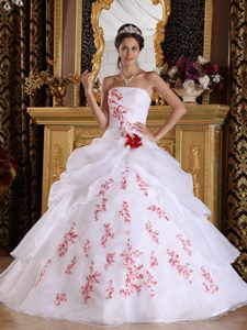 Hot on Sale White Organza Quinceanera Dresses with Red Appliques