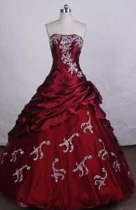 Floor-length Strapless Beading Appliques Red Quinceanera Gowns