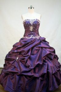 Beading and Appliques Strapless Purple Taffeta Quinceanera Dress