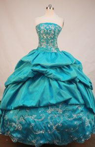 Strapless Pick-ups Blue Appliques and Beading Quinceanera Dresses