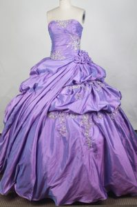 Lavender Appliques Quinceanera Dress Decorated Hand Flowers