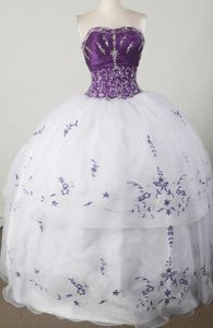 Purple Bodice and White Skirt for Sweet Sixteen Dresses with Applique
