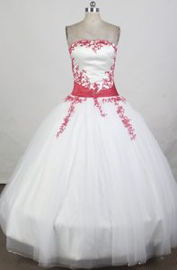 Red Floral Appliques and Sash Sweet Sixteen Quinceanera Dresses