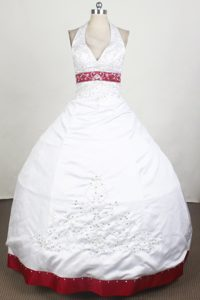 Sexy Halter White Quinceanera Gown V-neck with Red Trim