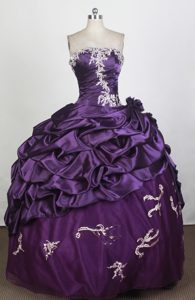 Popular 2013 Bubbled Purple Sweet 15 Dress with Appliques