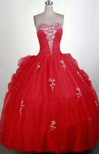 Bubbled Back 2013 Beautiful Quinceanera Dress Beaded in Red