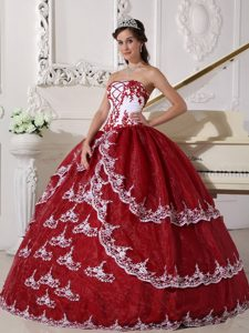 White and Wine Red Organza Appliques Dress For Quinceanera in Aachen