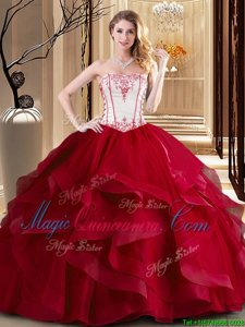 Beautiful White And Red Ball Gowns Embroidery Quince Ball Gowns Lace Up Tulle Sleeveless Floor Length